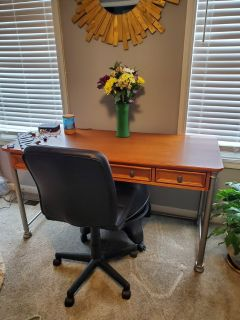 Brand new Executive Desk and chair