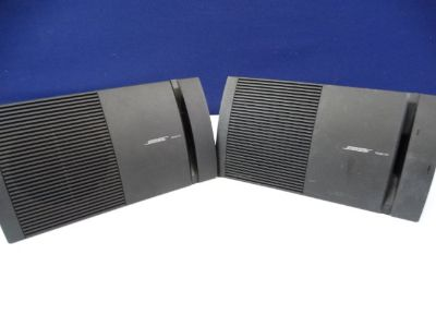 Set of Bose Model 100 Home Audio Speakers (2)