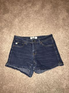 Women s shorts size 8 great condition