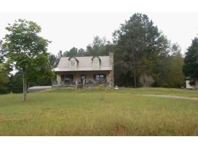 1.0 Bath Foreclosure Property in Gadsden, AL 35905 - Johnny Martin Rd