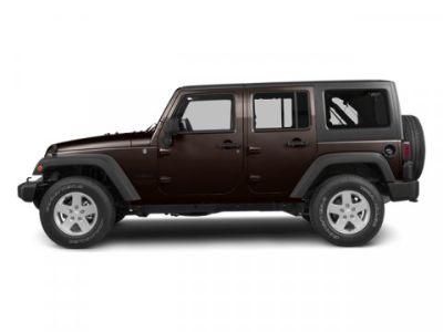 2013 Jeep Wrangler Unlimited Sahara (Rugged Brown Pearl)