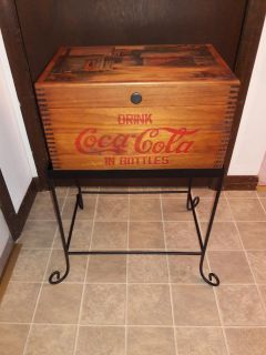 Beautiful vintage coca cola wood trunk and stand.