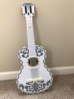 Guitar from the movie Coco