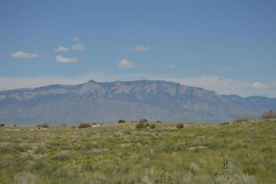 1018 11th Avenue NE Rio Rancho, 1 Acre View Lot that's