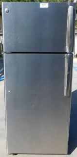 18 CU. FT. GE REFRIGERATOR-STAINLESS STEEL WITH WARRANTY (FINANCING)
