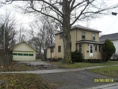 2 Bed 1 Bath Foreclosure Property in Dowagiac, MI 49047 - Walnut St