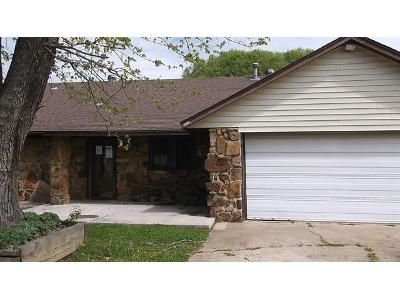 3 Bed 2 Bath Foreclosure Property in Claremore, OK 74019 - E First Street