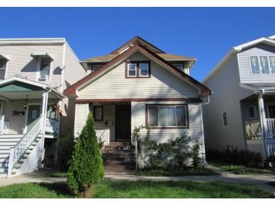 2.0 Bath Preforeclosure Property in Forest Park, IL 60130 - Lathrop Ave