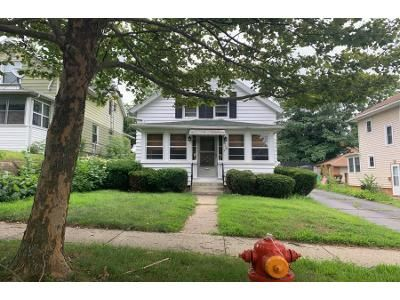 4 Bed 2 Bath Foreclosure Property in Jackson, MI 49203 - Chester St