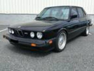 1988 BMW M5 E28 Rare Model