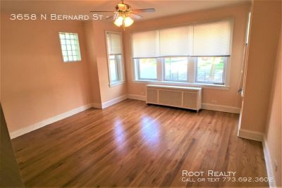 Irving Park Neighborhood – Updated 2-Bedroom/1-Bath Apartment – Available NOW!!