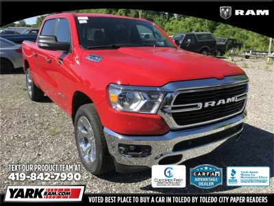 2019 RAM 1500 Big Horn/Lone Star (Flame Red Clearcoat)
