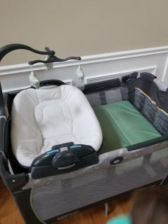 Graco pack n play napper and changer