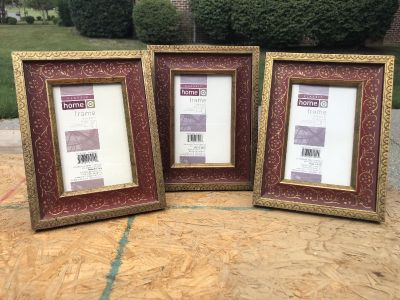 3 4x6 Picture Frames
