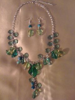 REDUCED!!!Fresh green ,2 piece set of jewelry
