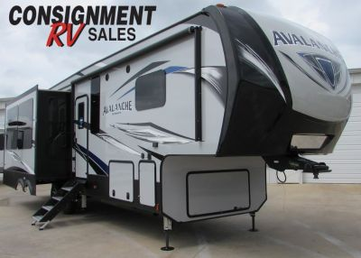 2020 Keystone Avalanche 320RS
