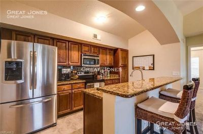 JUST REDUCED!!!  GORGEOUS 3/2 CONDO IN NAPLES!