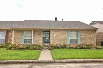 1085 Sunmeadow Beaumont Two BR, Charming 2/2/2 on story Condo