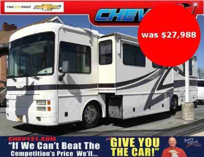 2001 Freightliner Discovery Motorhome by Fleetwood with Cummins Diesel Pusher