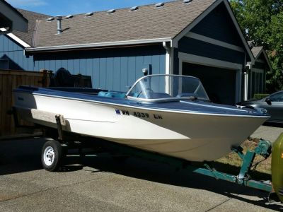 1968 16ft Fiberform Boat with 65HP Merc Crusier Outboard & Holsclaw Trailer