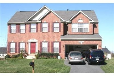 5 Spacious BR in Boyds. Washer/Dryer Hookups!
