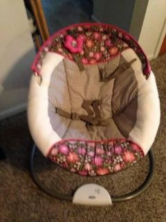 Baby moving swing