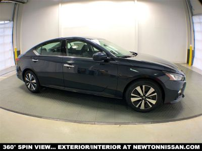 2019 Nissan Altima (Storm Blue Metallic)