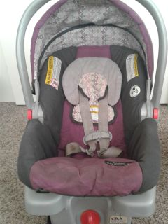 Baby girl carseat
