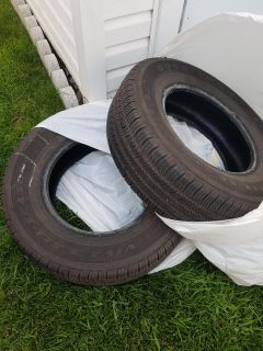 215/70R15 Viva 3 Goodyear all season, great condition