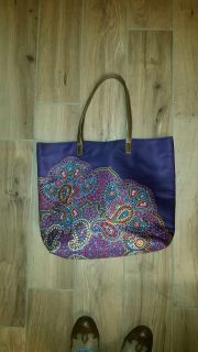 Super cute tote. New! See additional photos.