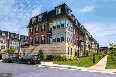 701 Fair Winds Way #251 Oxon Hill, This Four BR