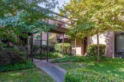640 Woodside Sierra #3 Sacramento, WOODSIDE CONDO: Single