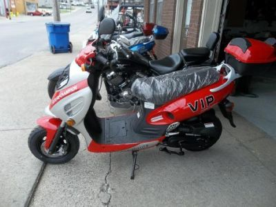 2016 V.I.P. 50cc Scooter New Licenses required !!!Great Gas Mileage!!!
