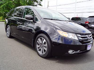 2016 Honda Odyssey Touring (Crystal Black Pearl)