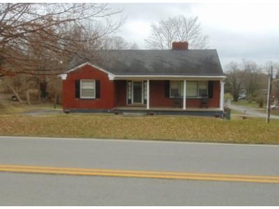 3 Bed 1 Bath Preforeclosure Property in Stanford, KY 40484 - Danville Ave