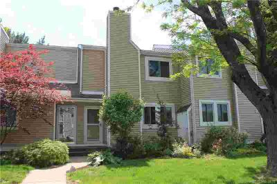 60 Old Town Road #15 VERNON, Great updated condo