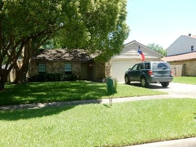 2 Bath Preforeclosure Property in League City, TX 77573 - Merrimac Dr