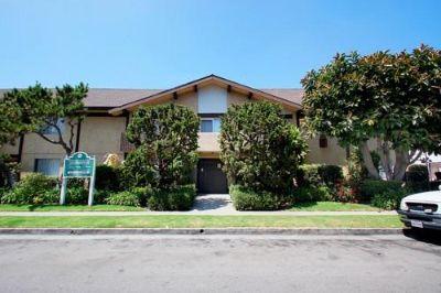 $2495 studio in West Los Angeles