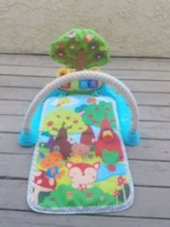 VTech Playmat Baby Mat Glow n Giggle Playmat and Play Gym 6 musical Songs
