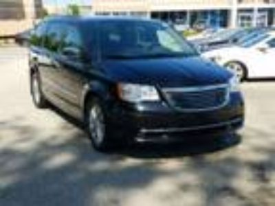 2015 Chrysler Town and Country Touring L