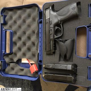 For Sale: Smith & Wesson M&P 40 with two mags