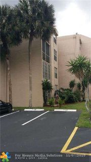 9450 Live Oak Pl 202 Davie, great corner unit!!!