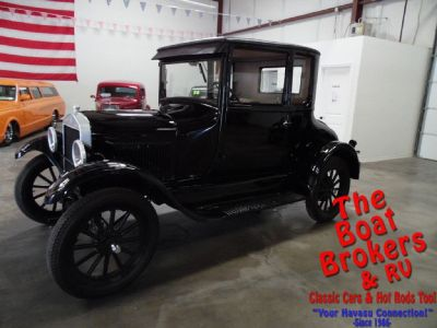 1926 FORD MODEL T  2 DOOR COUPE