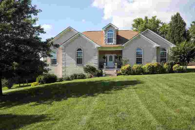1007 Bending Chestnut Dr LEBANON Three BR, All brick home with