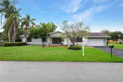 12310 SW 113th Ave Miami Three BR, Well maintained 3/2 one story