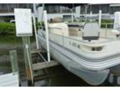 2003 Bennington 207FS Power Boat in Ellenton, FL
