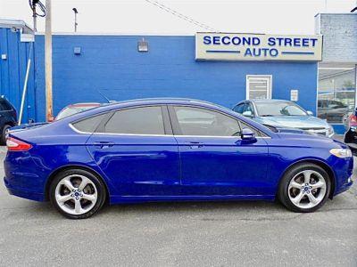 2014 Ford Fusion SE (Deep Impact Blue)