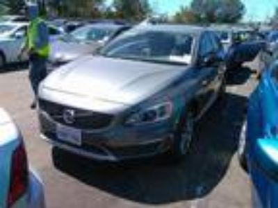 2018 Volvo S60 Cross Country T5