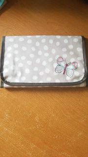 31 butterfly makeup carry case (see description/nwot)