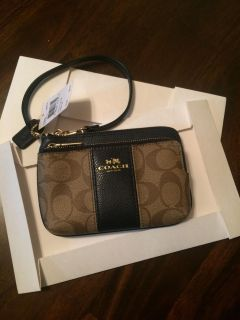 New with tags Coach double zip wristlet. Coach box also.